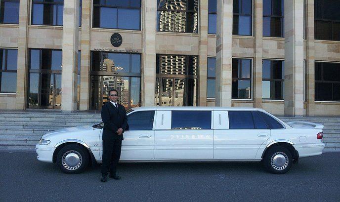Лимузина под наем в София на достъпни цени за всеки ваш повод